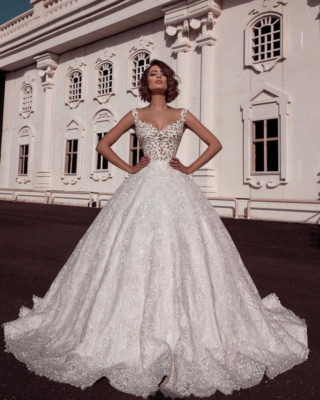 Elegant Scoop Sleeveless Lace Wedding Dresses | Applique Ball Gown Bridal Gowns