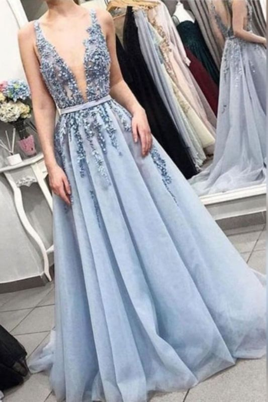 A-line Glorious Lace V-neck Appliques Prom Dresses