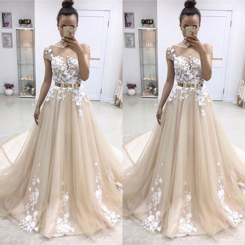 Elegant Short-Sleeves Crew Evening Dress | Tulle Belt Lace-Appliques Prom Gowns