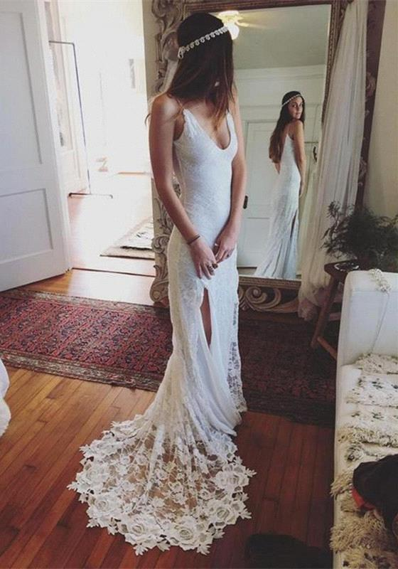 2021 Gorgeous V-Neck Beach Split Lace Sleeveless Wedding Dress
