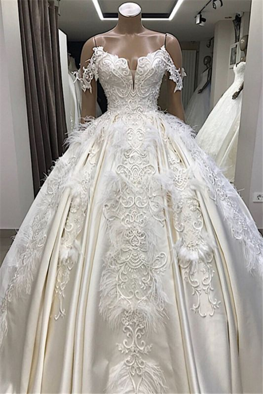 Ball-Gown Off-the-shoulder Satin Appliques Amazing Feathers Wedding Dresses