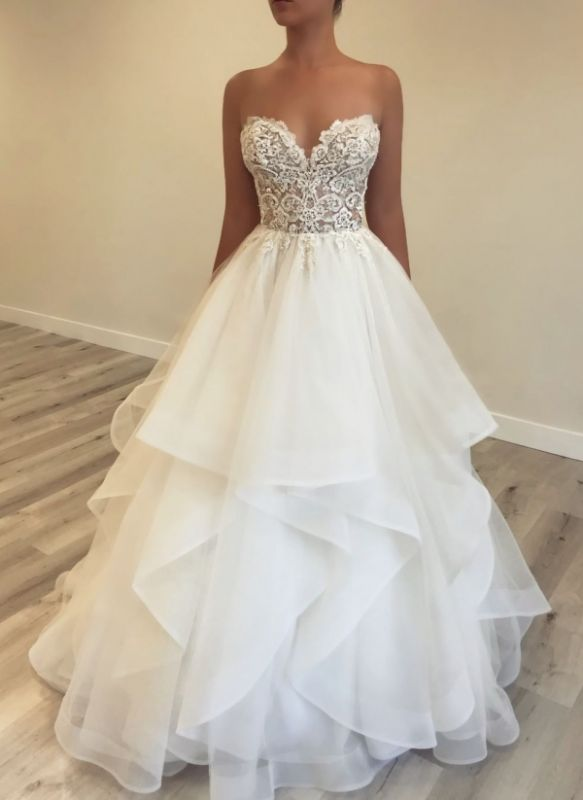 Elegant A-line Wedding Dresses with Tiered Skirt | Sleeveless Sweetheart Neck Bridal Gowns BC0754