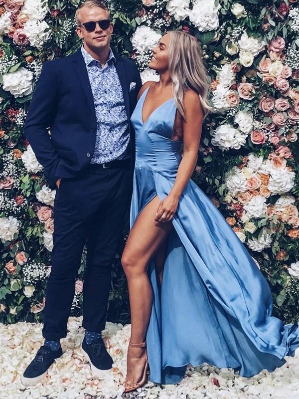 Simple Silt A-Line Prom Dresses | V-Neck Sleeveless Sexy Evening Dress
