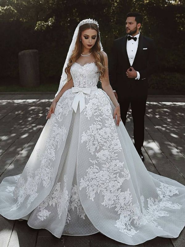Luxury Ball Gown Lace Wedding Dresses With Bows   Sweetheart Sleeveless Over-Skirt Bridal Gowns