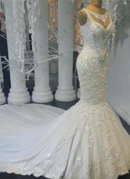 Luxury Crystals Mermaid Wedding Dresses   Sleeveless Floral Appliques Bridal Gowns BC0391