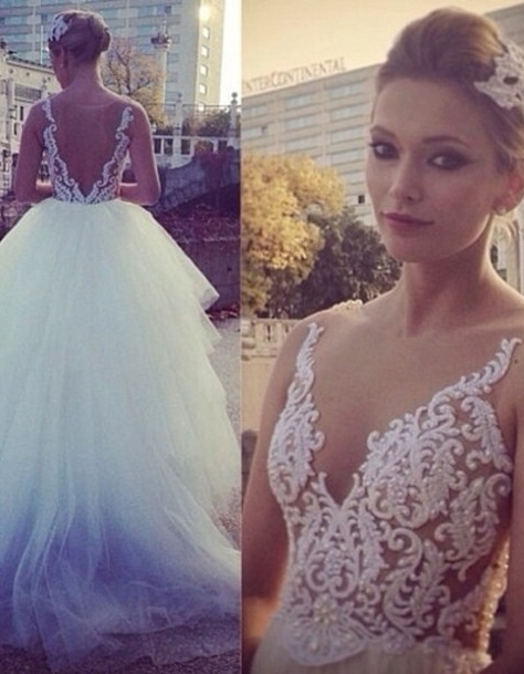 2021 Ball Gown Wedding Dresses V Neck Sheer Appliques Pearls Beaded Tiers Tulle Bridal Gowns