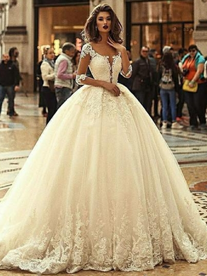 Luxury Lace Ball Gown Wedding Dresses   Scoop Long Sleeves Puffy Bridal Gowns
