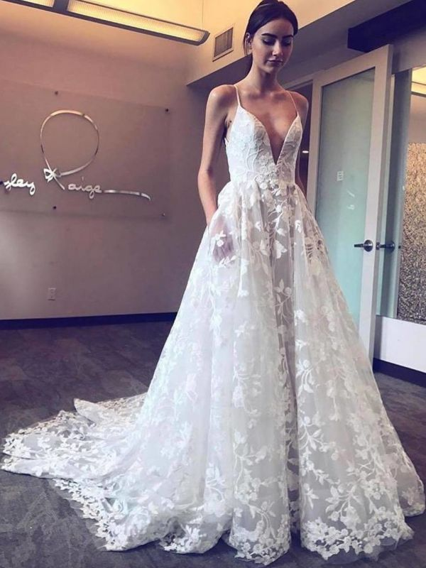 Chic Lace A-Line Wedding Dresses | Spaghetti Straps Appliques Long Bridal Gowns