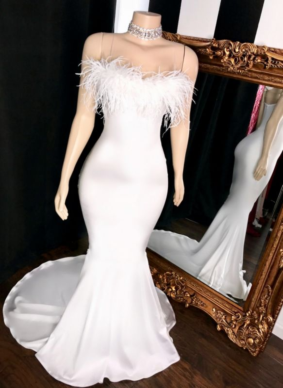 Sexy Strapless Feather Prom Dresses | White Sleeveless Mermaid Evening Gowns