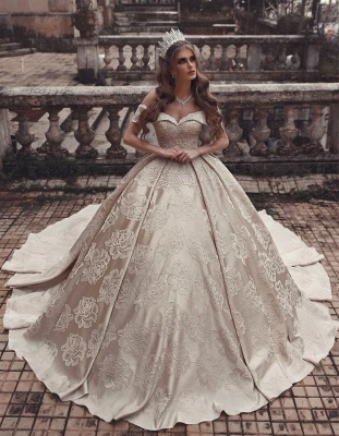 Elegant Strapless Off-The-Shoulder Wedding Dress | Long Ball-Gown 2021 Bridal Gowns_1