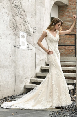 Cheap Long Lace Wedding Dresses Backless Floor Length Straps Online_6