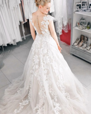 Cheap A Line Lace V Neck Sleevelss Wedding Gowns_3