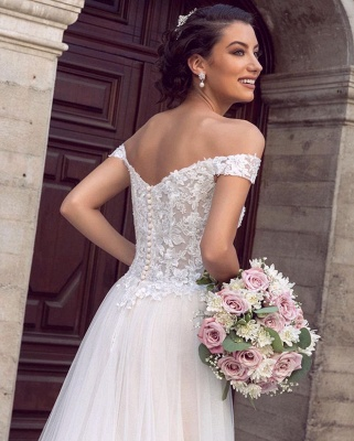 Sexy Floor Length Off the Shoulder White Lace Tulle Wedding Gowns_3