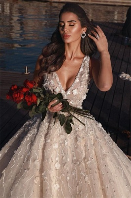 Elegant Sleeveless V-Neck Wedding Dress | Flowers Ball-Gown 2021 Bridal Gowns_2