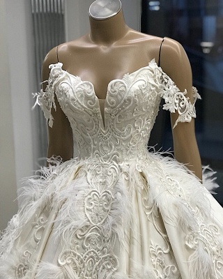 Ball-Gown Off-the-shoulder Satin Appliques Amazing Feathers Wedding Dresses_3