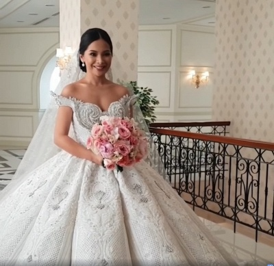 Luxury Sweep Train Ball Gown Wedding Dresses with Crystals_2