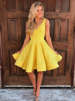 Simple Yellow A-Line Homecoming Dresses | V-Neck Sleeveless Short Party Dresses_1