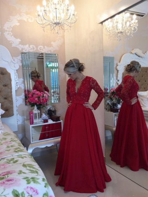 Red Long Sleeves Prom Dresses 2021 V Neck Lace Pearls Floor Length A-line Stunning Evening Gowns_4