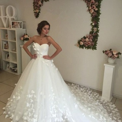 Glamorous 3D-Floral Appliques Wedding Dresses Sweetheart Neck Chapel Train Bridal Gowns_5