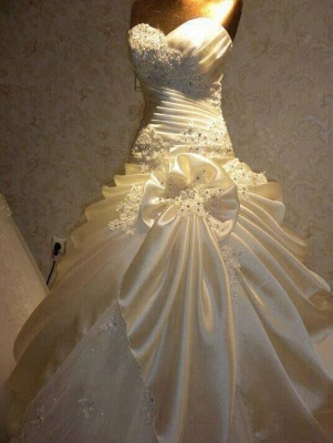 Glamorous Sweetheart Vintage Wedding Dresses Appliques Ruffles Bridal Gowns with Beadings_1